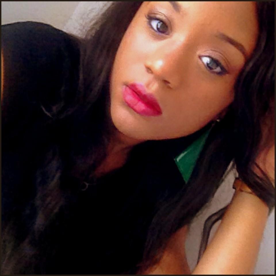 Cerise diva mac lipstick