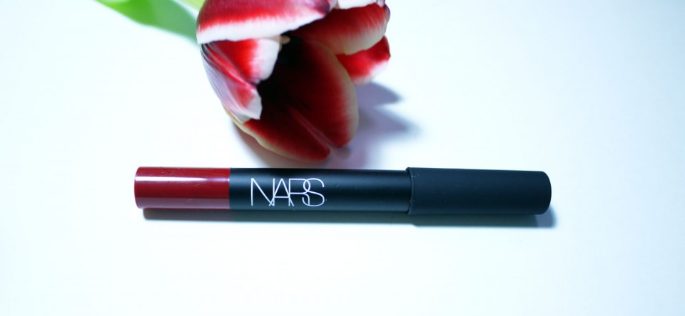 Lip Matte Pencil de NARS Cruella