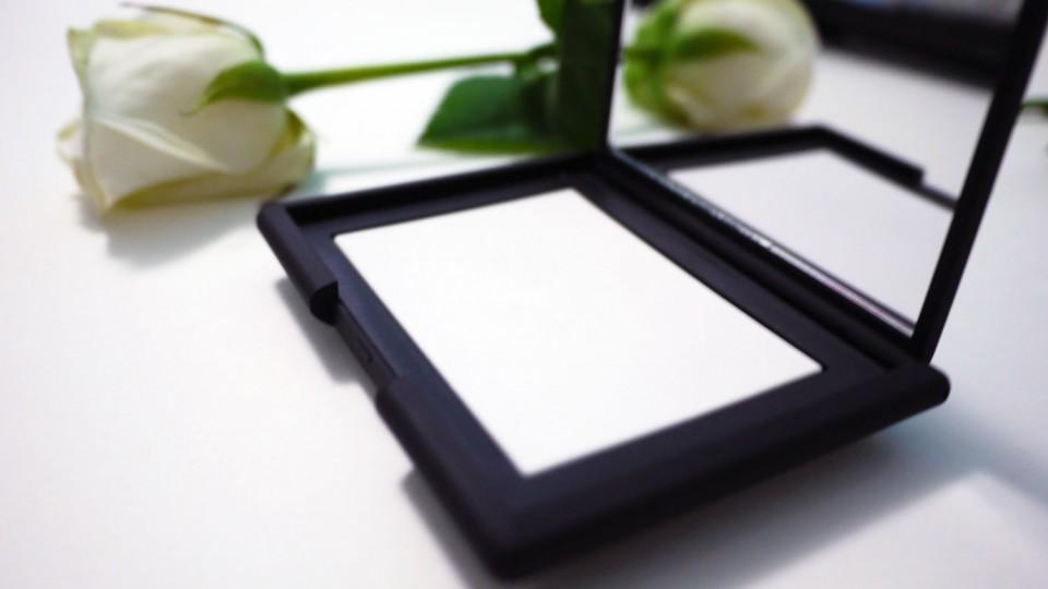 Light Reflecting Setting Powder Compacte