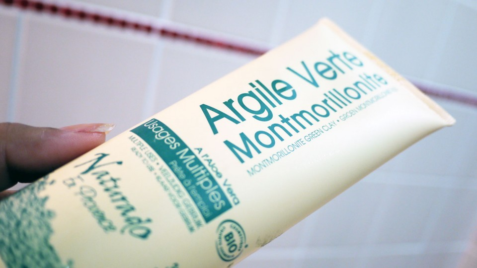 Argile verte Montmorillonite Naturado, enrichie en Aloe Vera et certifiée bio.
